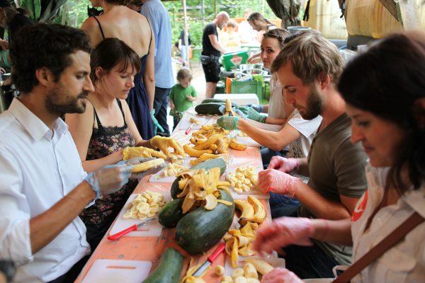 10月の「世界食料デー」月間に『0円キッチン』を上映しませんか?